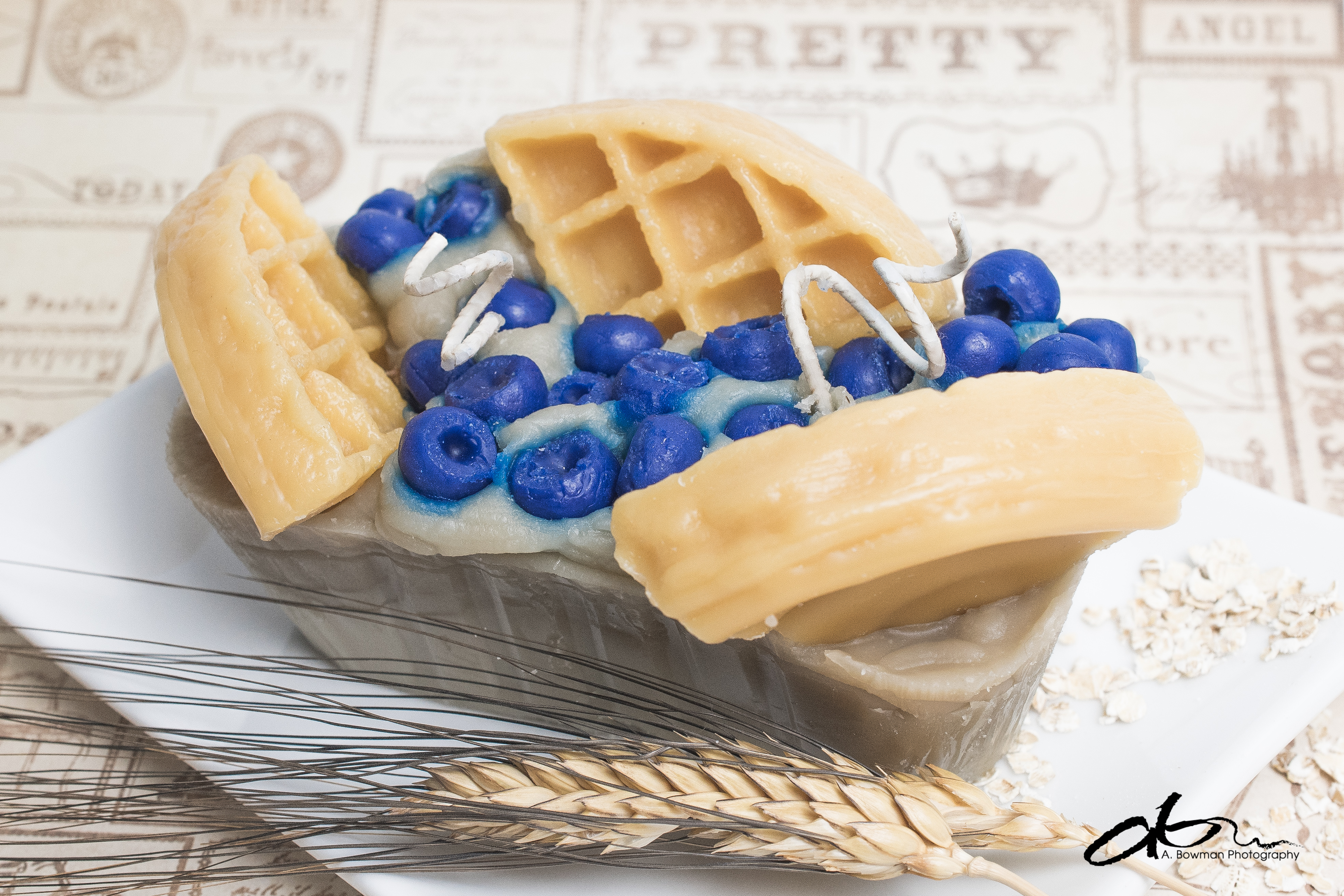 wax_candle_waffle_blueberry